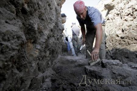 Сезон-2012: одесские археологи открыли подводную Тиру, нашли ребенка в амфоре и турецкие бастионы