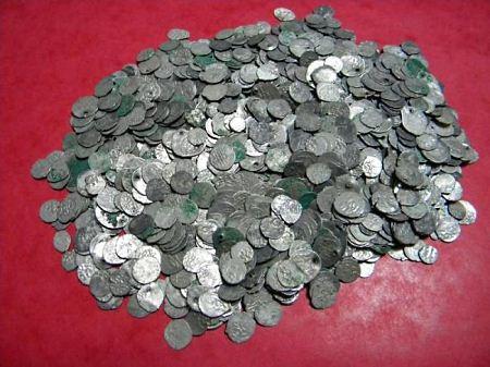 В Румынии обнаружен клад из 1.5 тыс. серебряных монет