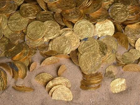 Найден рекордный клад древних золотых монет