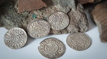 Клад, найденный в прошлом году в Пардубицах, может стать сокровищем века
