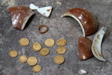 При реконструкции здания в Гродно рабочие нашли клад из золотых монет