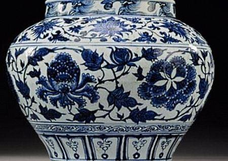 Китайский рыбак поймал сразу 7 древних фарфоровых чаш