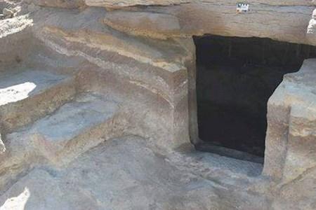 Археологи знайшли в Єгипті величезний некрополь і древній перстень