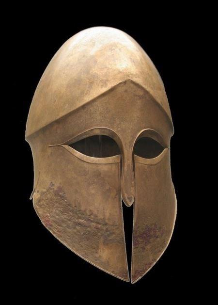 На севере Одесской области нашли классический древнегреческий шлем