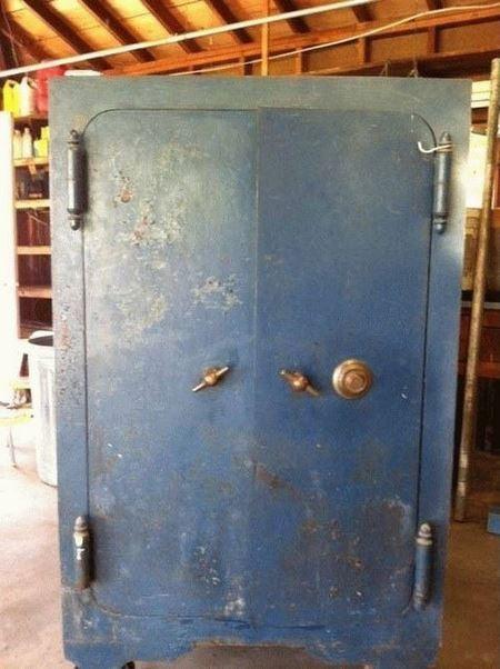 Занятный сейф, доставшийся в наследство от бабушки