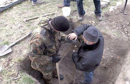 В первый день раскопок в Житомире нашли множество артефактов 17-18 века
