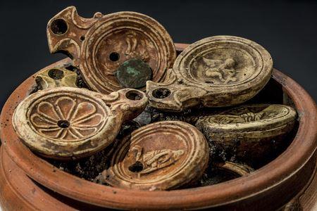 В Швейцарии при раскопках древнего римского поселения обнаружен крайне необычный клад