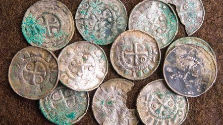 Под Берлином нашли клад с тысячами старинных монет
