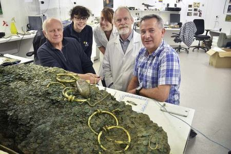 Клад в Джерси извлекали пять лет