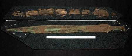 В Шотландии раскопали особенные копье и меч