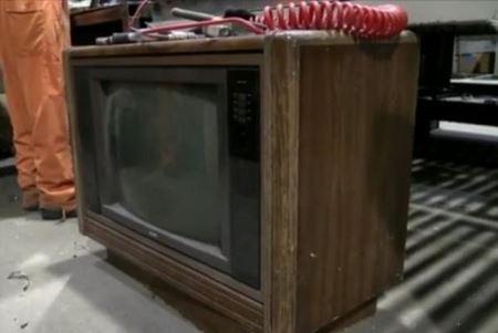 Находка, найденная в старом телевизоре
