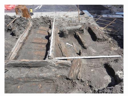 Киевские археологи показали сокровища, найденные в Гостином дворе