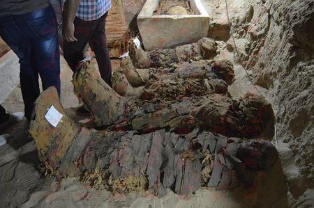 В Египте археологи обнаружили 17 мумий в подземной гробнице