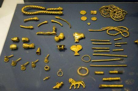 Амударьинский клад: коллекция из 170 золотых и серебряных артефактов времен Ахеменидов
