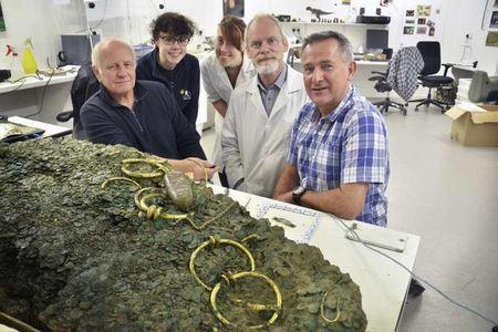68000 кельтских монет и украшений — результат 30-летних поисков и 5-летней расчистки от грязи