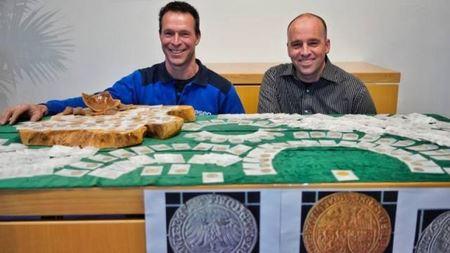 500 старинных монет обнаружили рабочие при прокладке водопровода в Нидерландах