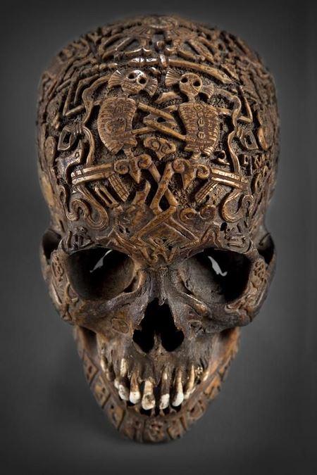300-летний тибетский резной череп, купленный в антикварном магазине