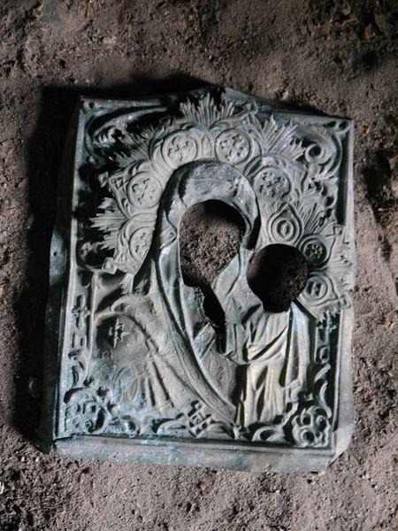 На горищі Андріївської церкви знайшли оклад від ікони XІX століття