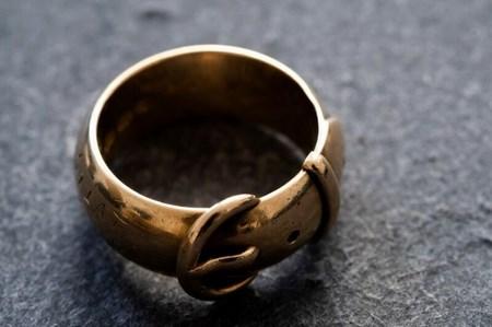 Украденное кольцо Оскара Уайльда нашли спустя 20 лет после кражи
