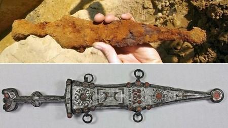 Во время раскопок в Германии парень нашел 2000-летний кинжал