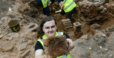 В Англии обнаружили плитку с римской имперской меткой